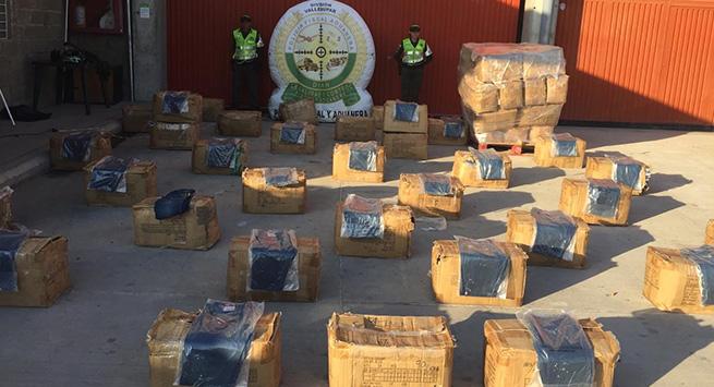 La Polfa, en distintos procedimientos se incautó más de 2.100 unidades de textiles