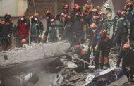 Sube a 14 muertos, 14 sobrevivientes en derrumbe en Estambul