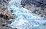 Científicos estudian nuevos desprendimientos en glaciar del sur chileno