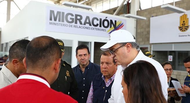 Procurador solicitó a la Cruz Roja asistencia humanitaria para atender a más de 3.000 niños afectados por el cierre de la frontera