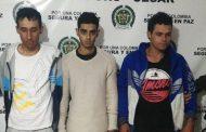 Cuatro personas capturadas por porte ilegal de armas de fuego; un menor implicado