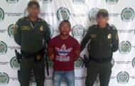 La policía capturó a dos personas por orden judicial