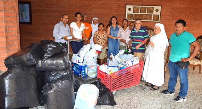 Religiosas de la Casa del Abuelo recibieron dotación del Programa de Administración de Empresas de la UPC