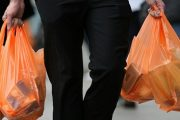En un 50 % se redujo el uso de bolsas plásticas en los principales establecimientos comerciales del país