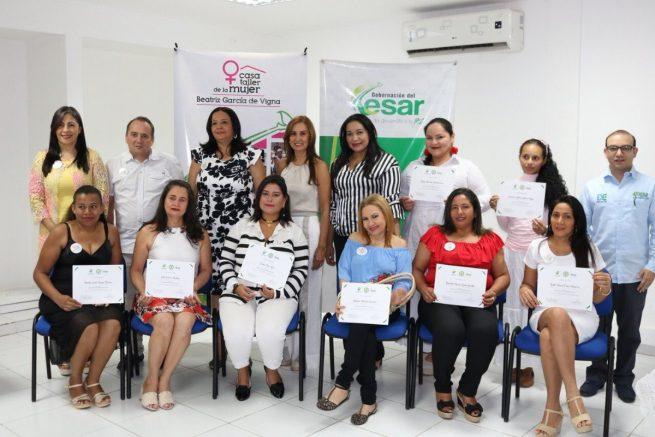 Graduadas estudiantes de la Casa Taller Beatriz García de Vigna en marketing digital