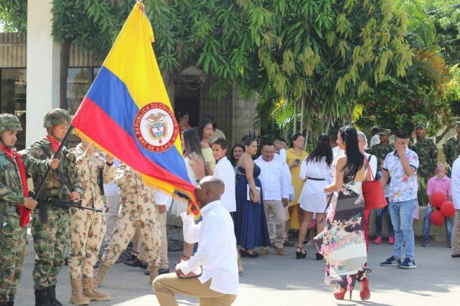 Después de 20 años de servicio, 150 hombres del Ejército, despedidos con honores