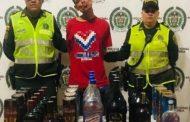 Detenido Tripe A cuando sacaba licor de un establecimiento comercial