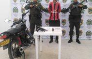 Capturado hombre que en compañía de dos menores de edad portaba dos armas de fuego