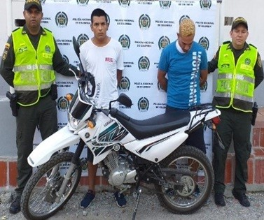 Recuperada motocicleta y detenidos dos hombres en San Alberto