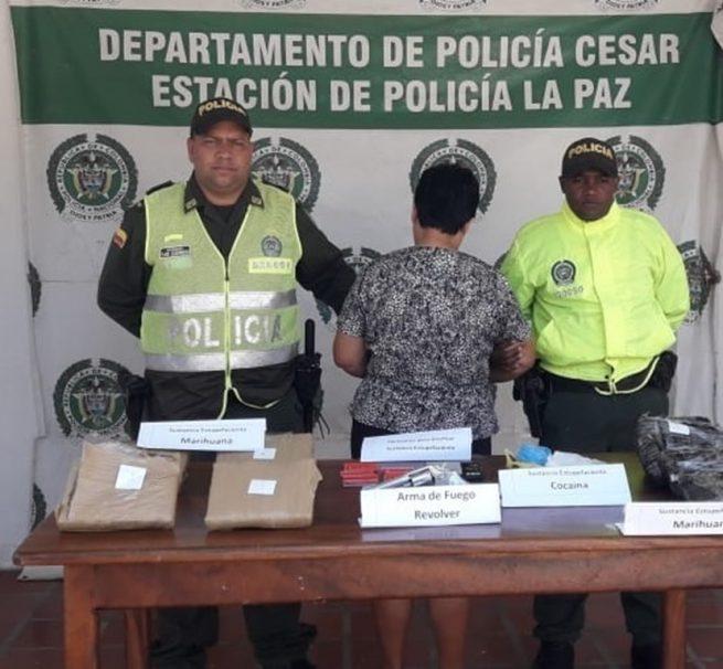 """Cayó """"Doña María"""" con estupefacientes y arma de fuego"""