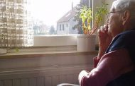 Cómo afecta la soledad la salud de los adultos mayores