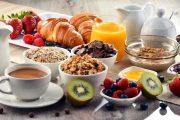 Qué debe incluir un desayuno saludable