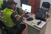 Puerta a puerta y online, la Policía previene la violencia y la drogadicción