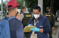 Vendedores informales y limpia vidrios en Valledupar, les socializan medidas sanitarias de autoprotección