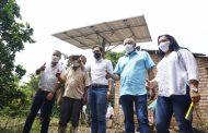 MinMinas y Gobernador de La Guajira entregaron soluciones de electrificación en Riohacha y Urumita