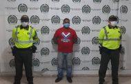 Dos capturados con documento falso y falsedad marcaria