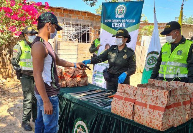 """En Valledupar, Policía lidera la campaña """"Es mejor amarse que armarse"""""""