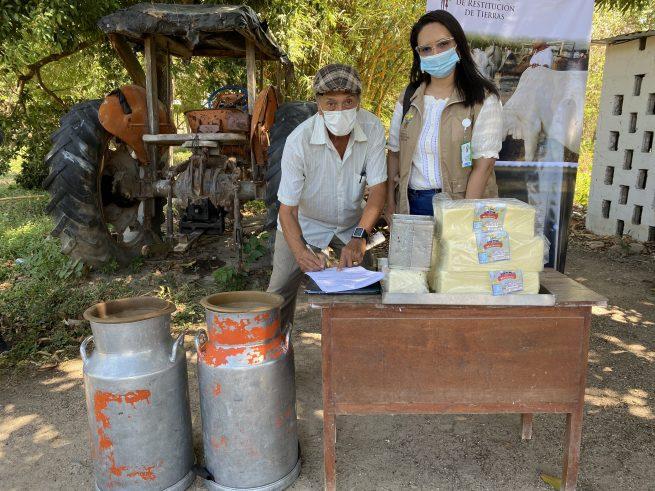 12 familias restituidas en El Copey, Cesar, beneficiadas con acuerdo de comercialización láctea