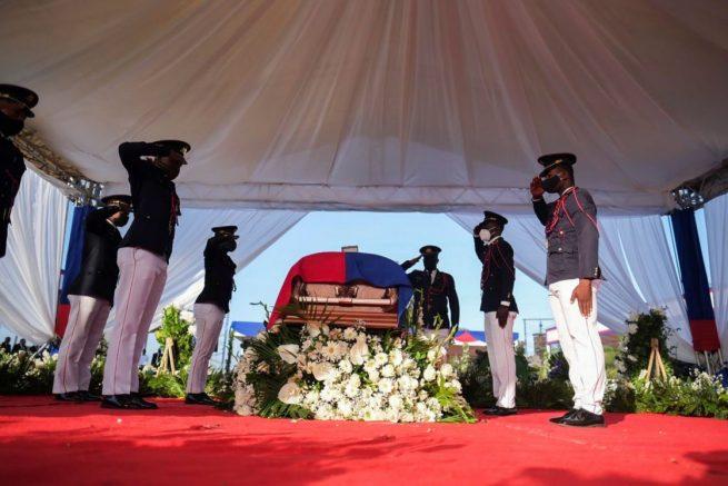 Funeral de Moise se celebra en Haití en medio de tensión por dudas sobre asesinato