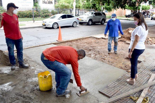 Gerente de Emdupar supervisa reposición de pavimentos y espacios públicos en la ciudad