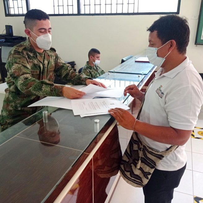 Ejército entrega más de 100 libretas militares a jóvenes de comunidades indígenas del Cesar y La Guajira