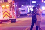 Familias se preparan para lo peor mientras identifican a víctimas de tiroteo en club gay de Florida