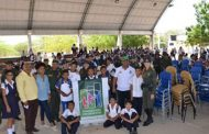 Policía lleva sillas para educar al corregimiento de Guacoche