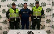 Capturados portando pistola y revólver