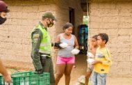 Patrullero lidera brigada de solidaridad con los más necesitados del municipio de Chiriguaná