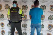 Con documentos falsos de vehículos, capturados cuatro hombres