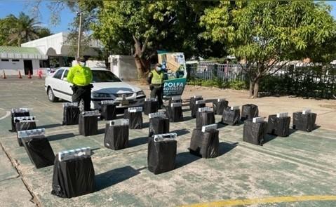 Incautan 7.000 cajetillas de cigarrillo e inmovilizan un vehículo en operativo de la Polfa