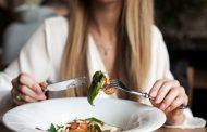 Dieta baja en grasas o baja en carbohidratos ¿cuál es mejor?